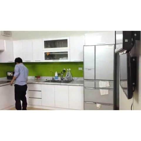 Tủ bếp inox cánh màu trắng đẹp