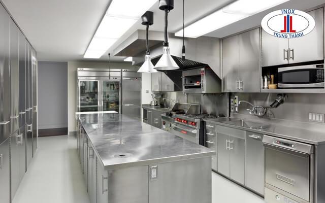 bếp nhà hàng sang trọng cần chú ý đến các nguyên tắc nhất định.